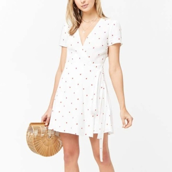 7e60bd4ad867 Forever 21 Dresses | F21 White Heart Wrap Dress Summer Cute Date ...